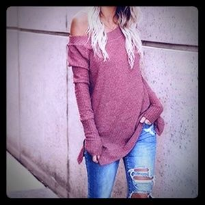 SUPER CUTE OFF THE SHOULDER SLOUCHED SWEATER!!